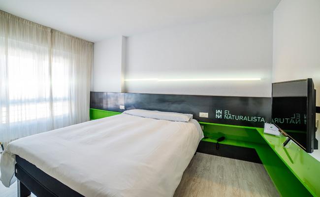Cuartos habitaciones hotel ibis styles la rioja for Hotel diseno la rioja